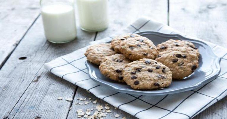 Jak zrobić czekoladowo-bananowe owsiane ciasteczka bez cukru?